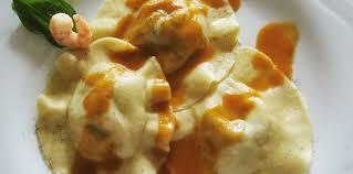 comment cuisiner les ravioles ravioles maison à la rigotte de condrieu crevettes oseille et
