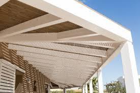 tettoie in legno e vetro tettoia e pannelli frangisole con copertura in legno e vetro su misura
