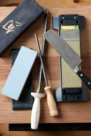 what is the best way to sharpen kitchen knives best way to sharpen kitchen knives 28 images frugally the