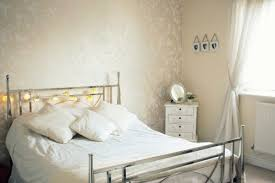 White Shabby Chic Bed by Charming Shabby Chic White House In London Digsdigs Inside Shabby