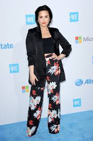 Lucy Lume Url Pics by Bold Blooms Demi Lovato U0027s Floral Pant And Blazer Look For Less