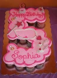 cupcake birthday cake 21 pull apart cupcake cake ideas pretty my party