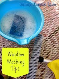 Keeping Shower Doors Clean How To Clean Windows And Showers Doors Cleaning House Home