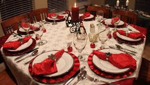 christmas dinner table decorations the 16 cool christmas dinner table decorations home living now 564