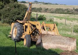 file massey ferguson backhoe 14788017630 jpg wikimedia commons