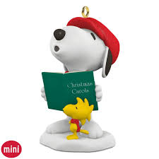 winter with snoopy and woodstock caroling mini ornament