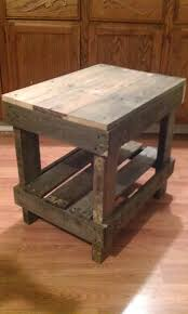 How To Make A Coffee Table by How To Make A Pallet End Table Diy Pinterest Diy Pallet