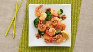 sriracha mayo kraft glazed walnut tempura shrimp