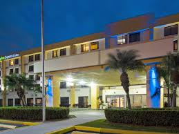 Holiday Inn Express And Suites Holiday Inn Express U0026 Suites Miami Hialeah Miami Lakes Hotel By Ihg