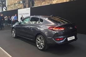 hyundai i30 fastback unveiled ahead of 2018 launch autocar