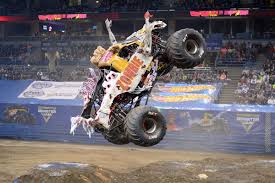 monster trucks crashes videos photos u0026 videos page 9 monster jam