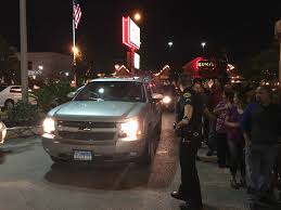 traffic wednesday before thanksgiving police on scene as houstonians swarm house of pies before