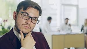 sexe au bureau travailleur de sexe masculin trop confiant au bureau vidéo