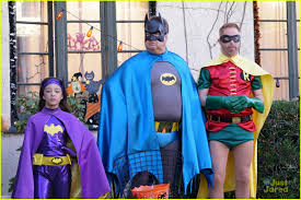 emoji halloween costume nolan gould is the kiss emoji for halloween on u0027modern family