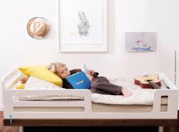 chambre enfant 3 ans lit pour enfants nouvelles tendances avec traits d co