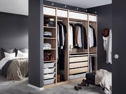 Ikea Schlafzimmer Kopfteil Ein Helles Mittelgroßes Schlafzimmer U A Eingerichtet Mit Hohem