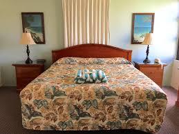 Hawaiian Bedding Condo Hotel Hawaiian Sun Holidays Honolulu Hi Booking Com