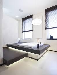 badezimmergestaltung modern badezimmer gestaltung modern eingebaute badewanne led leisten