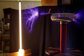 tesla coil teacher burns u0027i love mom u0027 into students u0027 arms with tesla coils