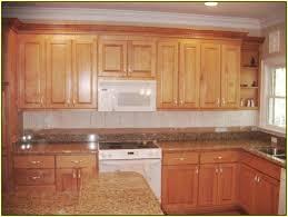 new venetian gold granite with oak cabinets home design ideas