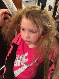 hair burst complaints girl 7 left traumatised after bunchems toys got stuck in her