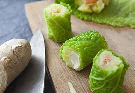 cuisiner le chou maki chou vert purée à l huile d olive et gambas recette