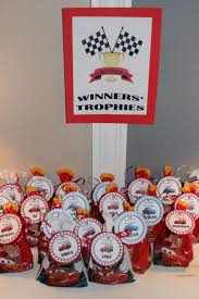 Halloween Party Bag Ideas by Best 25 Toddler Party Favors Ideas On Pinterest Mickey Mouse