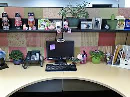 Desk Decoration Ideas This Lady Decorated The Walls Of Her Cubicle With Scrapbook Paper