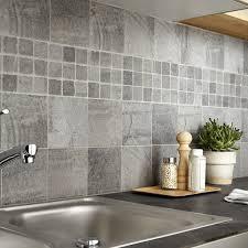 carrelage mural cuisine design cuisine avec sol gris clair carrelage mural cuisine mosaique maison