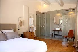 chambre parentale taupe peinture salle de bain ouverte sur chambre couleur prune taupe