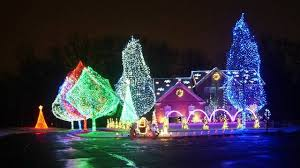 holiday lights tour detroit show off your holiday lights 2016 our 10 favorite homes so far