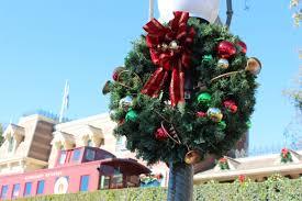 holiday season at the disneyland resort 2013 theme park review
