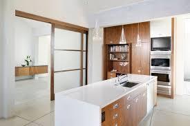cuisine en bois cuisine en bois blanc fabulous indogate idee deco cuisine annee