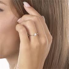 an welchem finger kommt der verlobungsring the 25 best verlobungsringe silber ideas on ehering