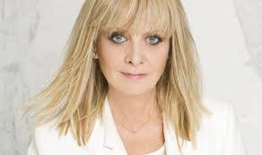 twiggy hairstyles for women over 50 the fashion world is waking up to the value of its over 40 models