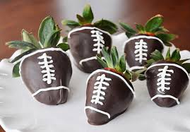 Cheap Party Centerpiece Ideas by 14 Cheap And Easy Diy Tailgate Party Ideas Smarty Cents