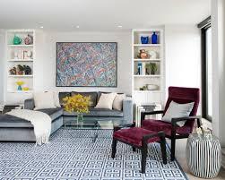 blue and gray sofa pillows déco salon moderne pour une atmosphère chaleureuse grey sectional