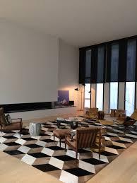 tapis couloir sur mesure tapis en peau de vache sur mesure norki decoration