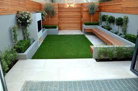 tiny courtyard garden small courtyards designs garden trends