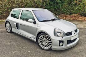 clio renault v6 renault clio v6 retro road test motoring research