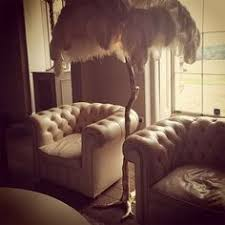 it s a l made of ostrich rather than swan feather of course
