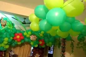 jungle theme decorations jungle themed birthday party decoration ideas mariannemitchell me