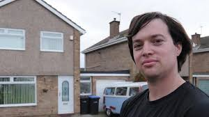 Bedroom House Dad Raffles Off Three Bedroom House For 5 A Ticket After