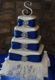 my first wedding cake tier one is white cake with oreo cookie
