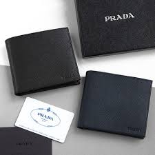 prada buyma buyma com 国内発送 prada サフィアーノ 二つ折財布 2mo738 刻印ロゴ