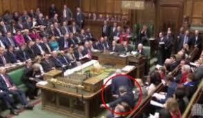 chambre des communes le député britannique tom watson effectue un dab dans la chambre des