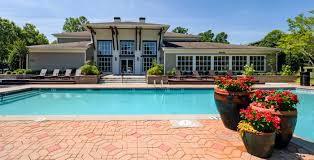 1250 west pet friendly apartments in marietta ga 1250 west apartments poolside red flowers in vase