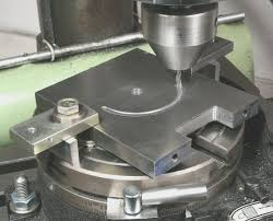 rotary table for milling machine table using