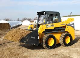 gehl u0027s new r series radial lift skid steer loaders offer operator