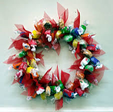 making a christmas lolly wreath